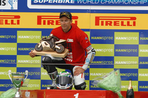 Three time champ Bayliss takes one last crown in 2008