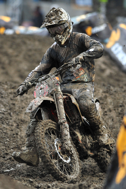 Larsen maintained his points lead for JDR Motorex KTM in the mud at Dunedin. Image: Sport The Library.