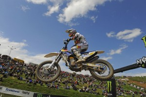 Waters 12th as Cairoli extends MXGP lead in Bulgaria