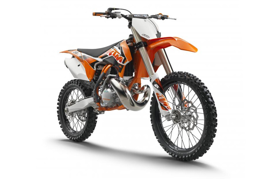 is the 2015 yz 125 or 2015 ktm 125 better autos post. Black Bedroom Furniture Sets. Home Design Ideas