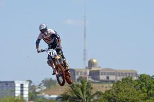 Ferris breaks femur in Brazilian MXGP incident