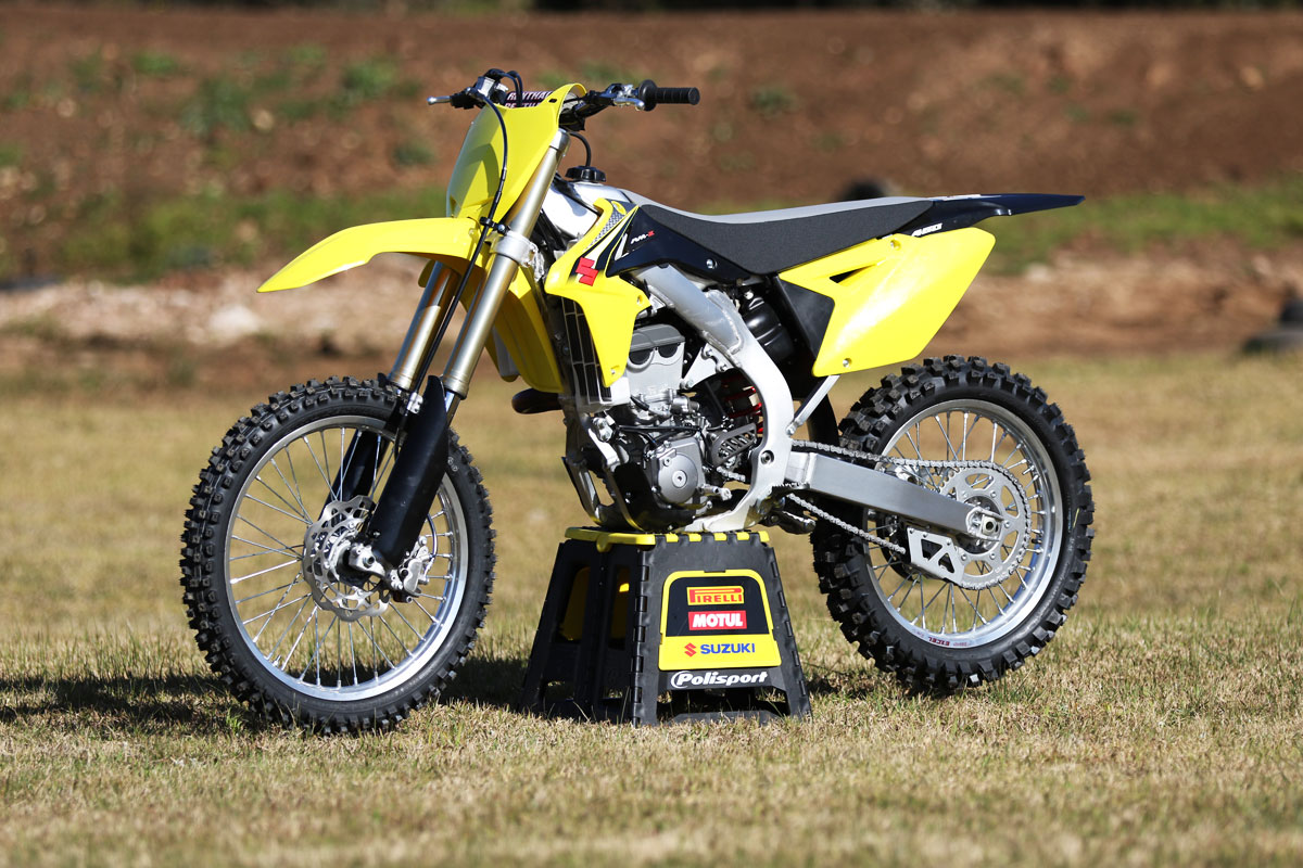 review 2016 suzuki rm z450. Black Bedroom Furniture Sets. Home Design Ideas