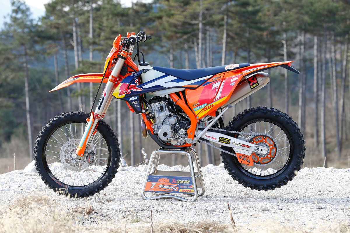 factory spec 2017 ktm exc models break cover motoonlinecomau pictures. Black Bedroom Furniture Sets. Home Design Ideas