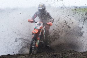 Sanders sweeps Hedley AORC rounds
