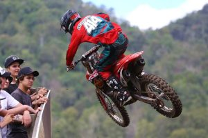 Dobson signs 2017 supercross deal with Honda