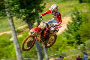 Knee injury puts Lawrence out prior to Pro Motocross finals