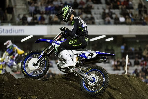 Clout breaks through for maiden SX1 victory in Wollongong